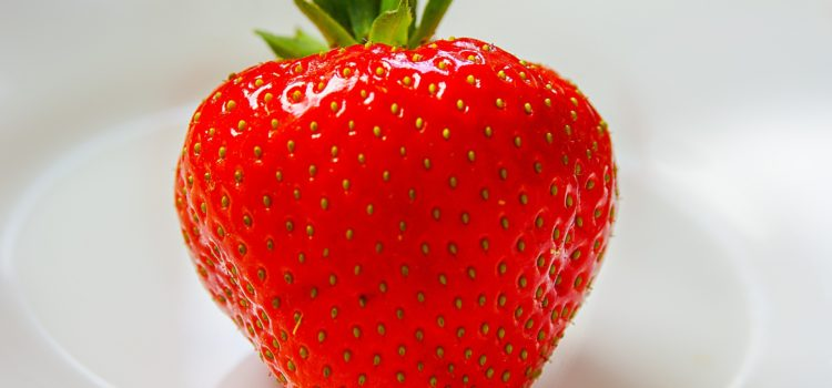 DIY anti-ageing and brightening strawberry face mask