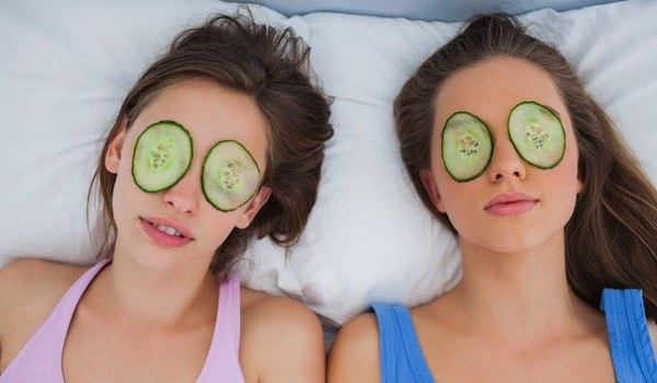 Cucumbers for eyes