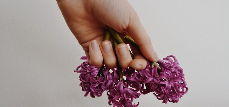 How to take care of your nails, because they deserve it too