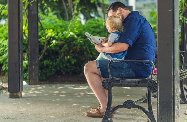 Are ebooks healthy for your little children?