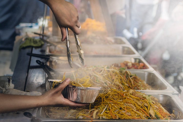 how to stay safe when eating street foods