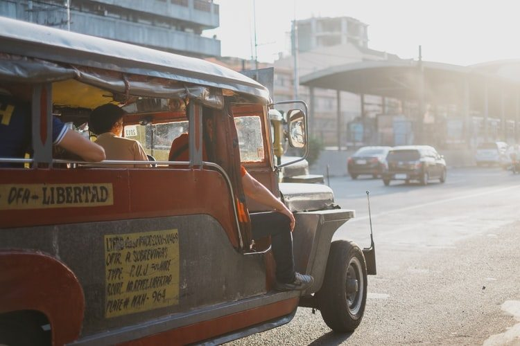 Lack of jeepneys in Metro Manila causes problems for commuters during GCQ
